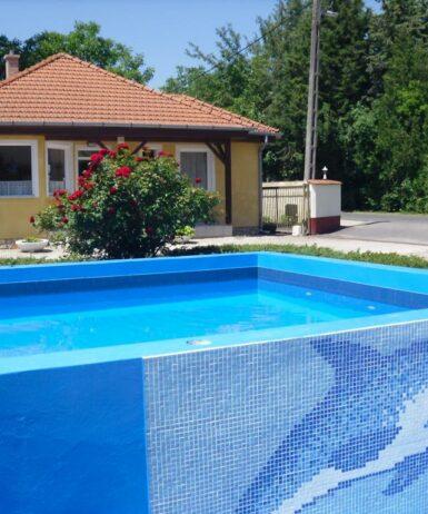 Der Swimmingpool an oder in der Nähe von Tulipan Bungalow Camping Resort
