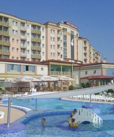 Der Swimmingpool an oder in der Nähe von Zalakaros Resort & Spa