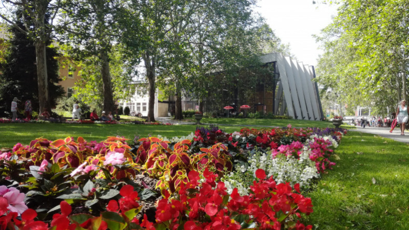 The Park of Lake Hévíz and the Historical Schulhof Promenade Gets Renewed