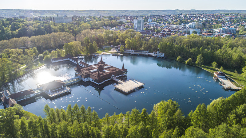 Lake Hévíz is open again without any restrictions